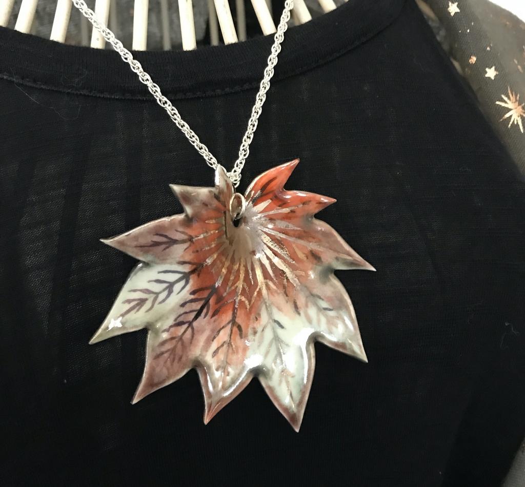 Autum Vitifolum Maple Leaf Pendant