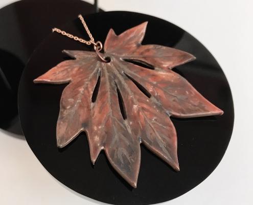 Aconitifolium Leaf Pendant 3119