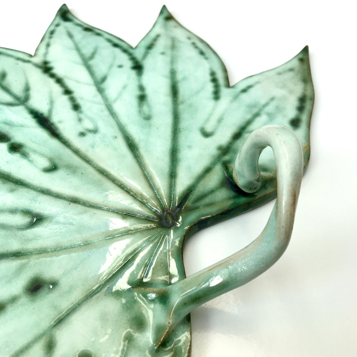Twisted Vine Handle on Sharing Platter by Ceramics Inspired By Nature