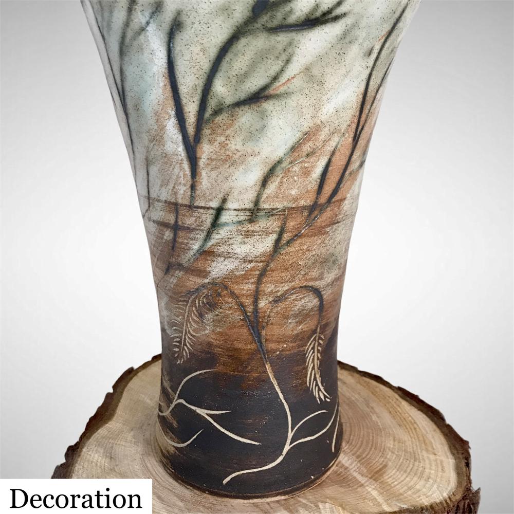 Crescente Abore Vase Showing Body Decoration